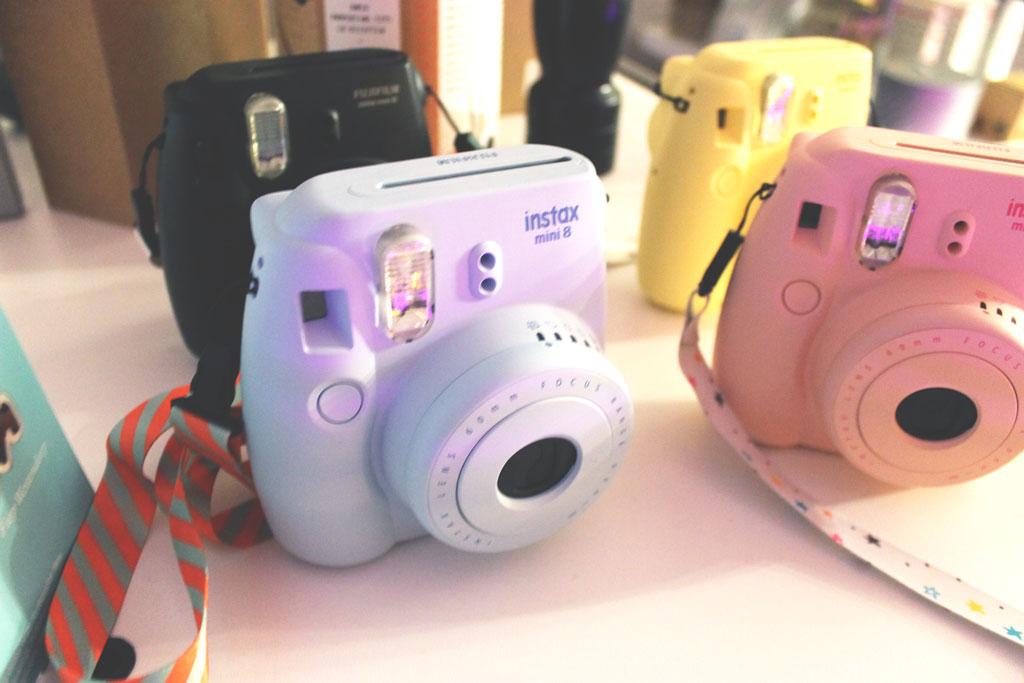 hema instax, camera, gekleurde camera, polaroid, kopen, goedkoop, hema persevent, hema kerstevent, kerst, event, hema
