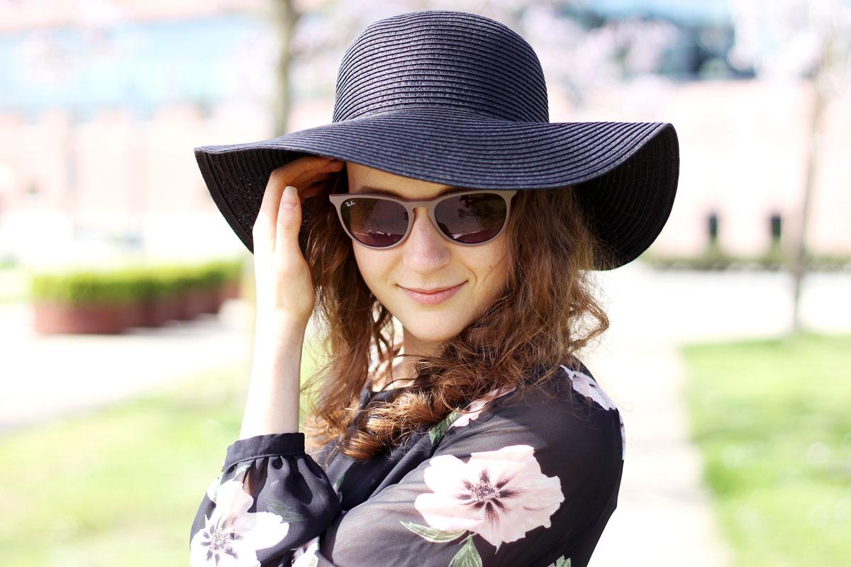 zwarte rieten hoed, zwarte hoed, zwarte zonnehoed, goedkoop, mooi, v&D