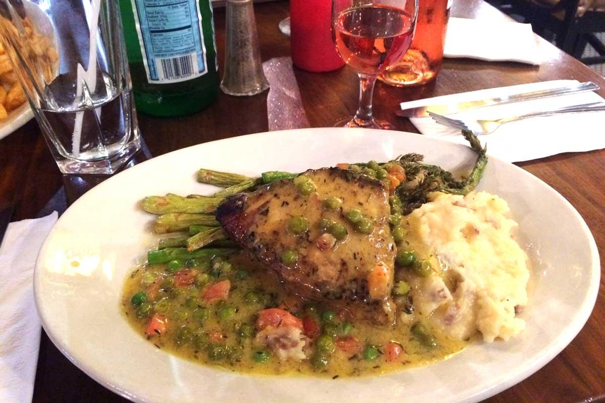 tsq brasserie New York, eten dichtbij broadway, times square, lekker eten new york, eten voor broadway show, waar
