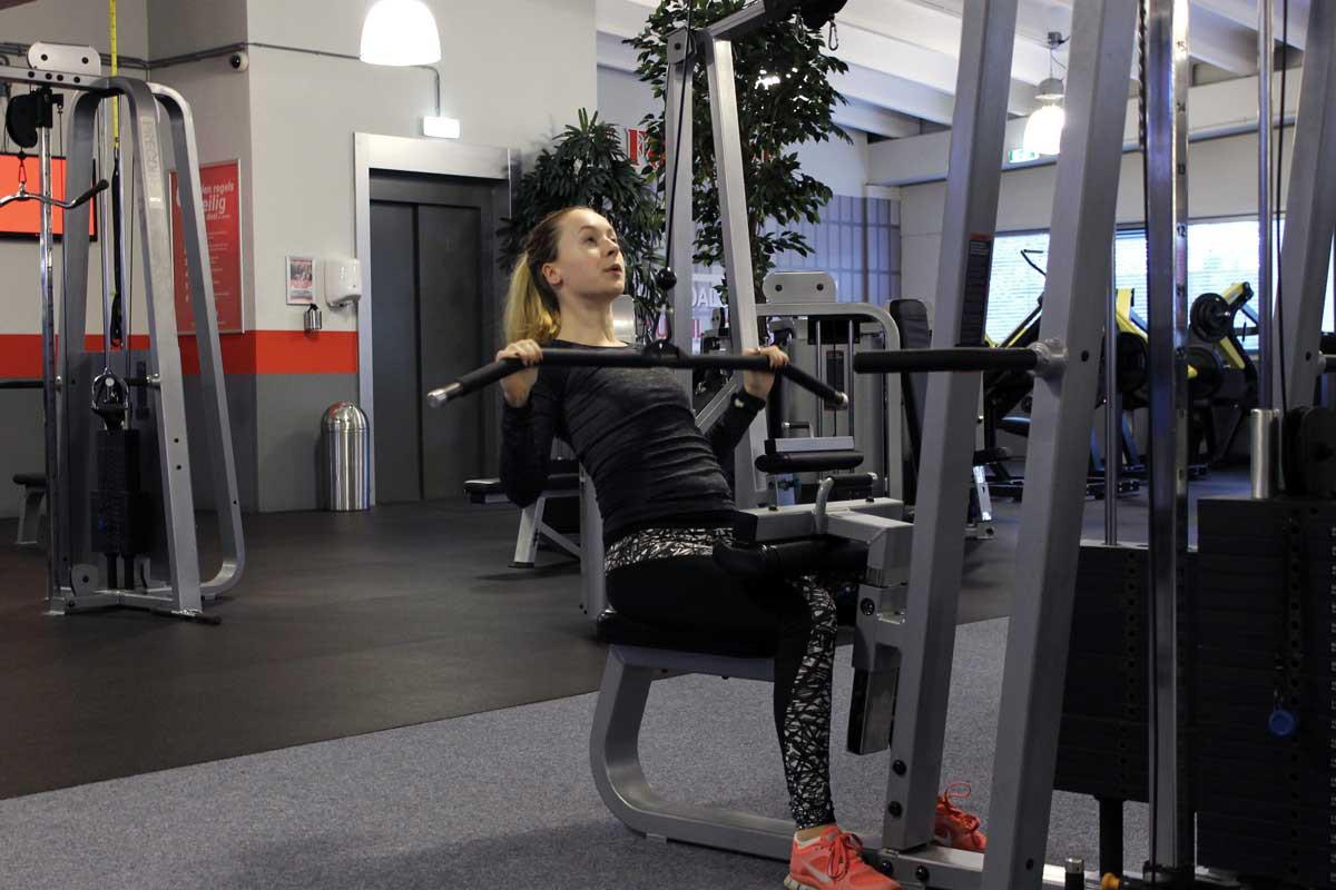 deadlift, fit for free, coretraining voor hardlopers, sneller worden met hardlopen, latpulldown