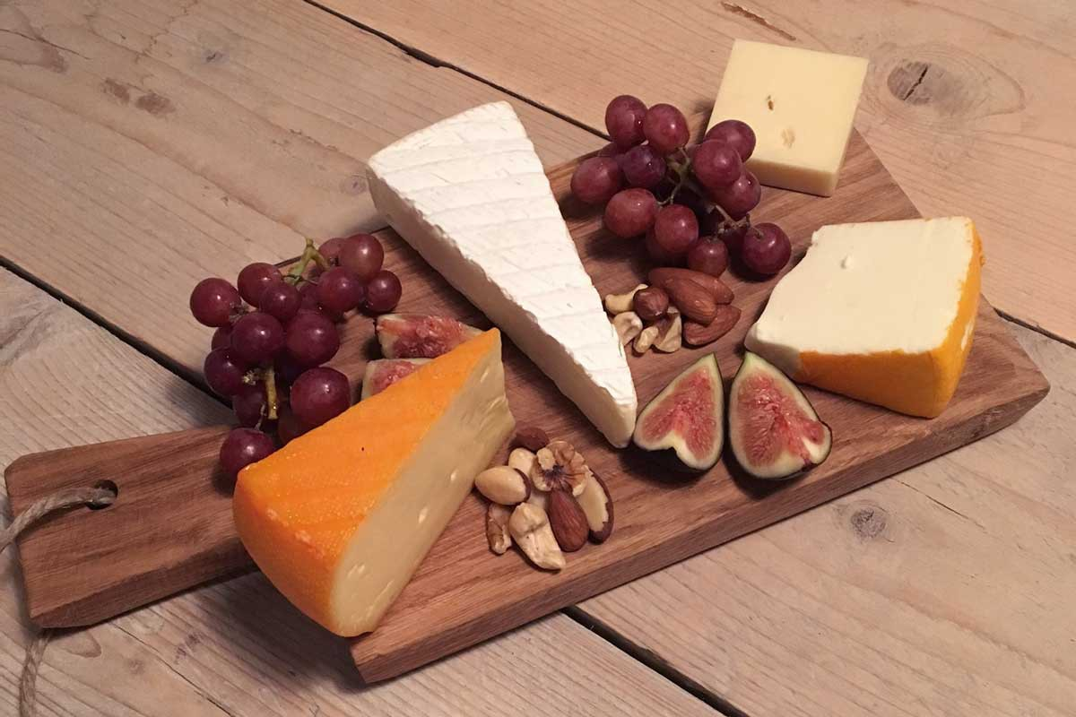 cheeseplatter, christmas platter, new years cheese platter